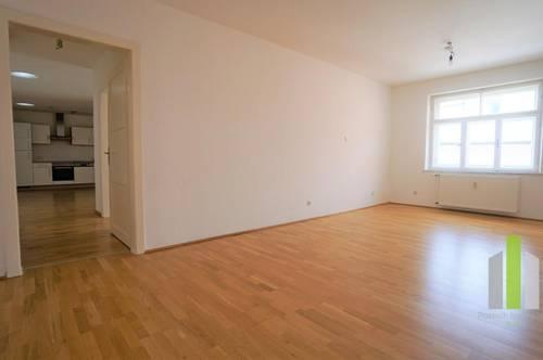 schöne, renovierte 3 Zimmerwohnung mit 90m²