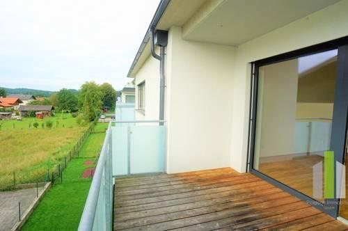 Tolle 4 Zimmerwohnung mit 2 Balkonen und Carport