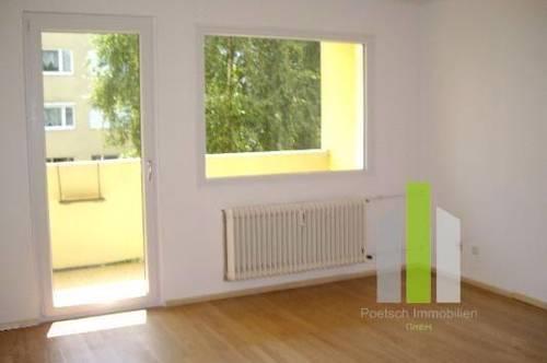 Schöne 2,5 Zimmer Wohnung mit Loggia | WG-geeignet