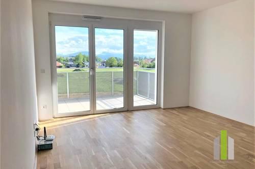 Neuwertige 2 Zi.- Wohnung mit Balkon