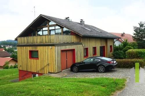 Sehr großzügiges Mehrfamilienhaus in gutem Zustand mit vielen Möglichkeiten