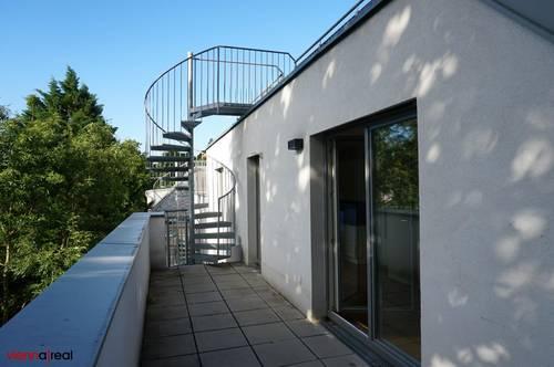 Helle 2 Zimmer-Wohnung mit großer Dachterrasse, Kellerabteil und Klimaanlage, ruhig und unbefristet