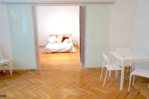 gemütliche, helle 2-Zimmer-Wohnung mit neuen Fenstern, Schrankraum und großer Küche