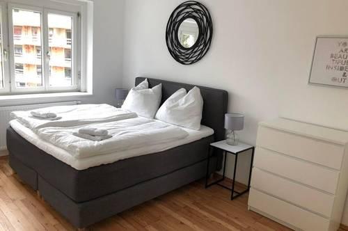 Komplett möblierte, große 2-Zimmer-Wohnung