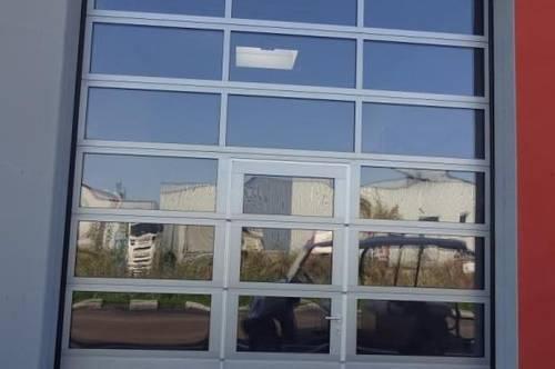 Mehrzweckhalle mit Büro - Nähe S5
