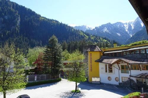Charmantes Zuhause mit sonnendurchflutetem Wintergarten mitten in Mayrhofen