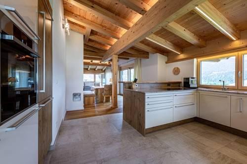 Moderne Landhausvilla mit Einliegerwohnung in Bestlage mit Rundumsicht