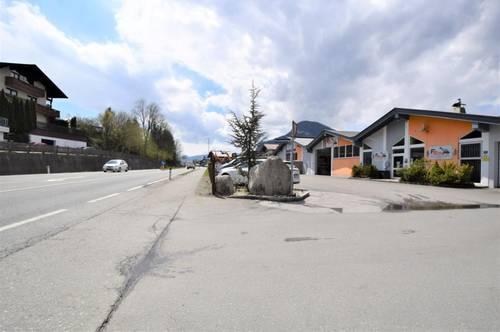 Gewerbefläche mit Parkplätzen - Büro- und Lagerräumlichkeiten in zentralster Lage