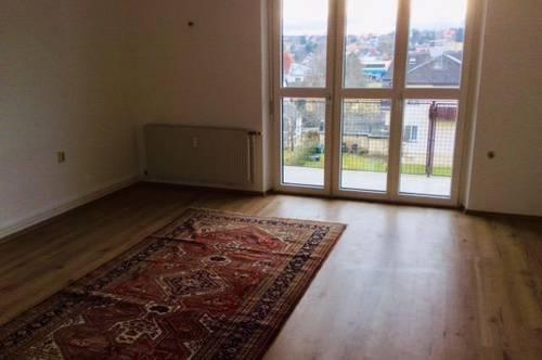 Helle, freundliche 3 Zimmer Wohnung mit Loggia in zentraler und ruhiger Lage