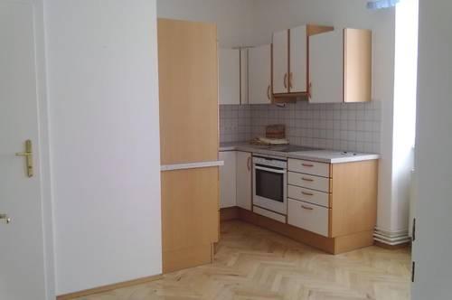 Deutschlandsberg: Helle 2 Zimmer Altbauwohnung in zentraler Lage