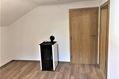 ERSTBEZUG nach SANIERUNG: attraktive 3-Zimmer-Altbauwohnung in beliebter Wohngegend