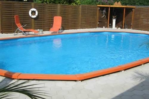 Einfamilienhaus mit Pool und wunderschöne sonnige Garten