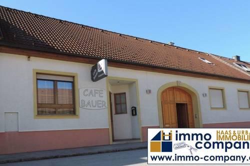 Cafe-Lokal mit eigenem Wohnbereich und zusätzlicher Zimmervermietung möglich.