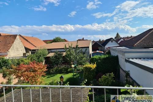 geräumiges Wohnhaus, zentral, mit schönem Garten!