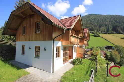 Schönes Eckreihenhaus mit Chaletcharakter in ruhiger, idyllischer Aussichtslage  in Obertschern