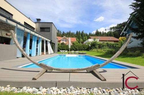 Schönes Architektenhaus mit Sauna, Swimmingpool und Doppelcarport in idyllischer Sonnenlage