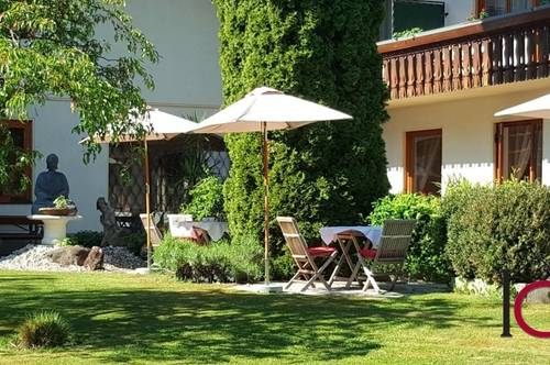 Etabliertes, kleines Hotel mit Hallenbad in ruhiger Sonnenaussichtslage