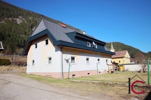 Mehrfamilienhaus mit 4 Wohneinheiten in ruhiger, sonniger Wohnsiedlung