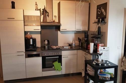 ca. 71m² große freundlich helle Wohnung in einem toll Saniertem Haus!