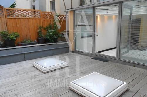 große Altbauwohnung mit Terrasse in den Innenhof