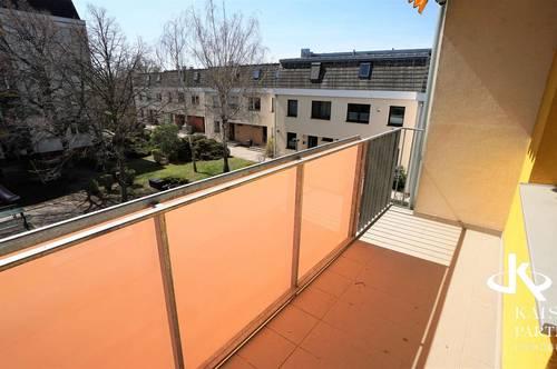 Grünlage, Balkon, helle großzügige 3-Zimmerwohnung!