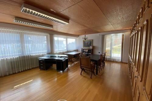 5700 Zell am See: Büroflächen 130m² 5 Zimmer, ideal als Praxis, Kanzlei, oder Büro, helle Räume, sonnig, Terrasse, Teeküche