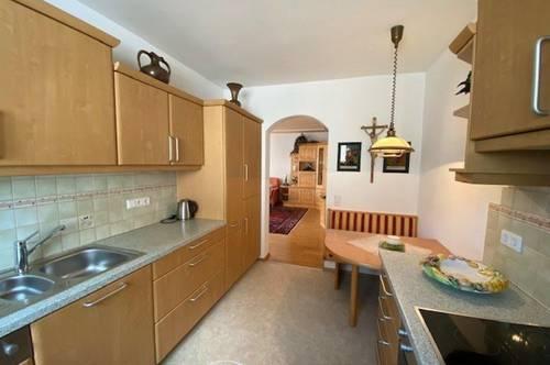 5751 Maishofen: AB April 2021; möblierte, gepflegte 3 Zimmerwohnung (88m²) mit sonnigem Balkon, separatem Kellerabteil und Carport