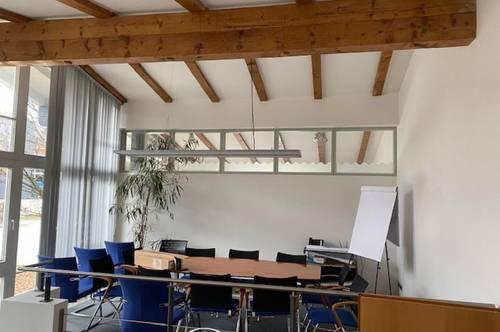 5700 Zell am See; Schüttdorf : 211m² Büroflächen, ideal für Praxis, Kanzlei ,Büro , Parkplätze genügend vorhanden, ebenerdig 4 separate Räume, Teeküche !!