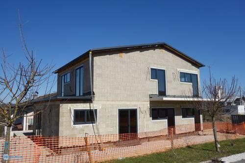 Edelneubau in Henndorf! Traumhafte 3-Zimmer-Dachterrassen-Wohnung & Privatgarten - Zweitwohnsitz möglich
