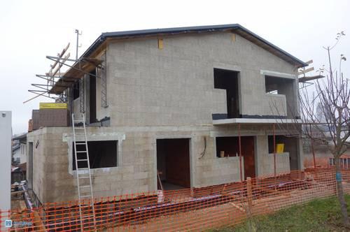 Der Rohbau ist fertig! Top 3-Zimmer-Dachterrassen-Wohnung & Privatgarten - Zweitwohnsitz möglich