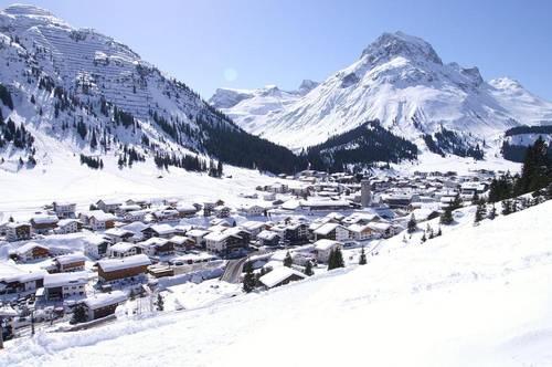 Lech Arlberg - Altes Berghaus oder Bauparzelle   Lech Arlberg - oldfashioned chalet or building plot