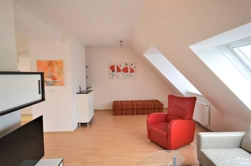 Alles inklusive: Dachgeschoß-Maisonette-Apartment, 4-Zimmer mit Terrasse