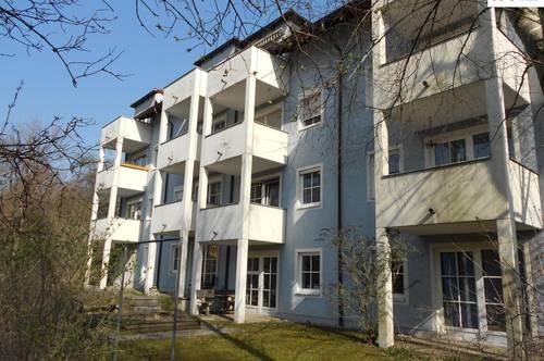 JETZT BESICHTIGEN: KONTAKTLOS ODER ONLINE! / Sonnige 2-Zimmer Wohnung mit Balkon in der Michaelsbergstraße 31 u. 33, - Top 11 zuzüglich Abstellplatz
