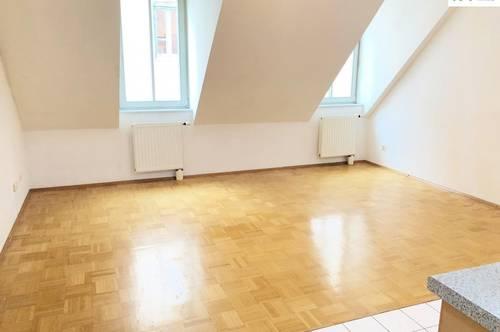 3-Zimmer-DG-Wohnung in TOPLAGE!