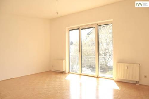 Helle 2-Zimmer-Wohnung mit Balkon in Waltendorf
