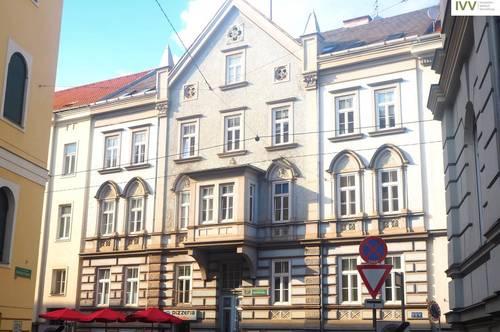 NEU SANIERTER Altbautraum mit 3 Zimmern und Balkon, Mandellstraße 27