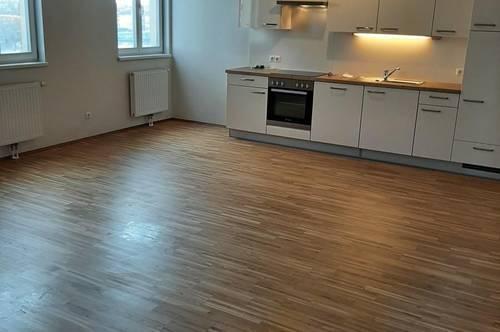 Großzügige 2-Zimmer Wohnung in zentraler Lage!