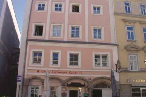 ** IDEAL FÜR WG´S** Großzügige 3-Zimmer Altbauwohnung am Stadtplatz 16 / Top 6