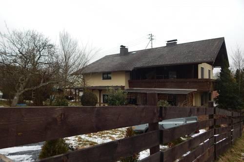 Großes Gartengrundstück mit Mehrfamilienhaus in schöner Lage von Ampflwang
