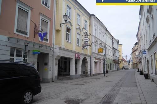 BÜRO - GESCHÄFTS - oder VERKAUFSFLÄCHE im ERDGESCHOSS - 62m² Geschäft + Lager + Keller