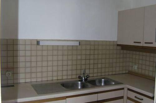 helle Wohnung mit Lift und Balkon