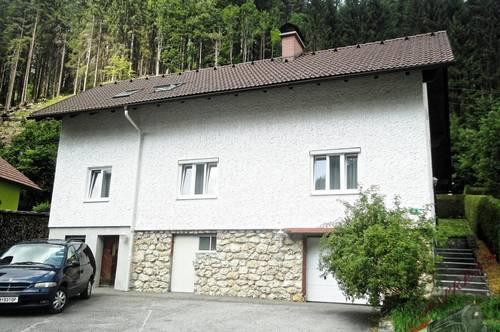Ein Zweifamilienhaus in ruhiger Siedlungslage wartet auf Sie! Nahe Rax und Schneealpe