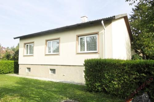 Einfamilienhaus mit grünem Garten (2Parzellen) in ruhiger Siedlungslage – Neuessling!