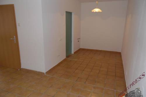 2544 Leobersdorf, unbefristeter MV Top 3 Zimmer Wohnung, Etagenheizung , Alles Neu !