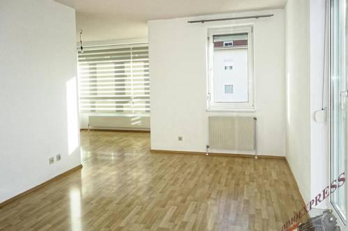 Zentral gelegene, helle 3 Zimmer Wohnung mit Tiefgaragenplatz! Nahe Badener Bahn