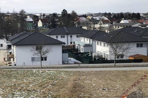 Vorsorge Doppelhaushälfte vermietet für Investoren in der Nähe von Groß Schweinbarth mit Vorsteuerabzugsberechtigung