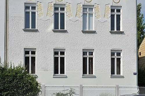 Sonnendurchflutete Altbauwohnung in Jugendstilhaus mit großem Wohnkeller und eigenem Garten