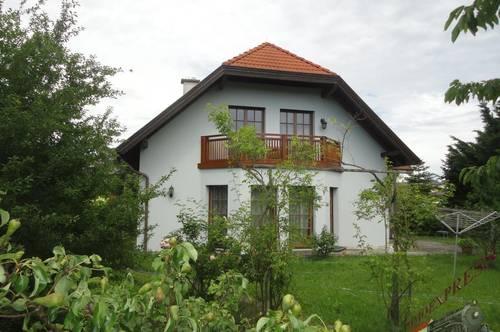 Großzügig gebautes Einfamilienhaus (Baumeisterhaus) auf 950m² Grund - nur 25min nach Wien!