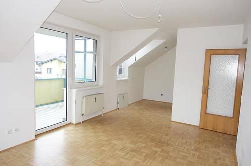 Schön aufgeteilte 3-Zimmer Wohnung mit Loggia in Mittertreffling