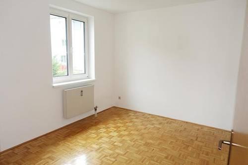 *3 MONATE MIETREDUZIERT WOHNEN* Schöne 3-Zimmer-Wohnung mit Tiefgaragenplatz